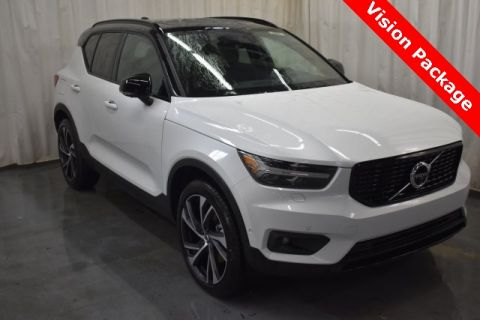 New 2019 Volvo XC40 R-Design AWD <br><font size=1 color=blue>10 miles</font>