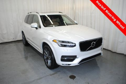 New 2019 Volvo XC90 T6 Momentum With Navigation & AWD <br><font size=1 color=blue>10 miles</font>
